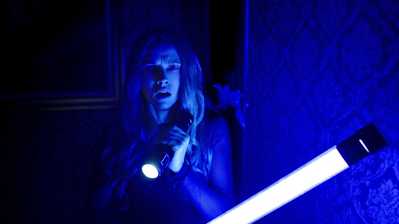 Lights Out Brings Terrifying Horror Short Back In Feature Length