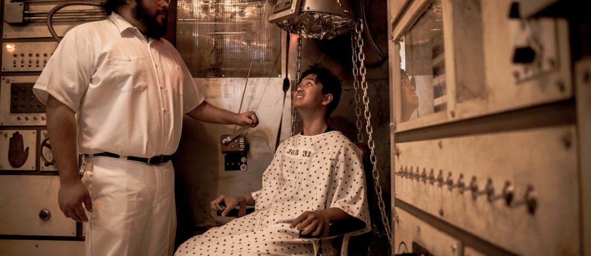 Jose Mendoza as Orderly and Nathan Manahan as Patient